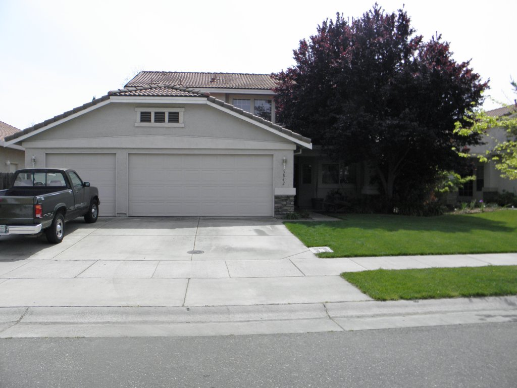 Front View - House for rent in Davis, CA